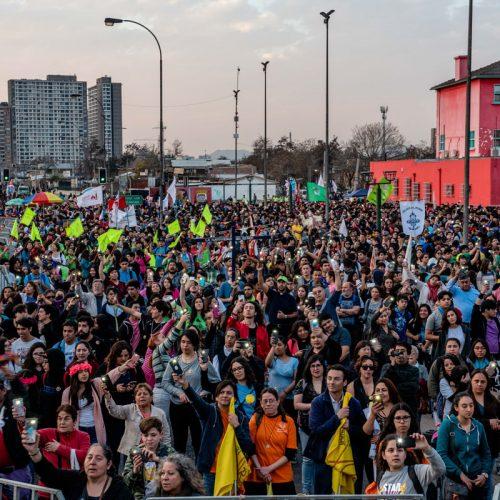 Veinte mil jóvenes peregrinaron hasta el santuario de san Alberto Hurtado
