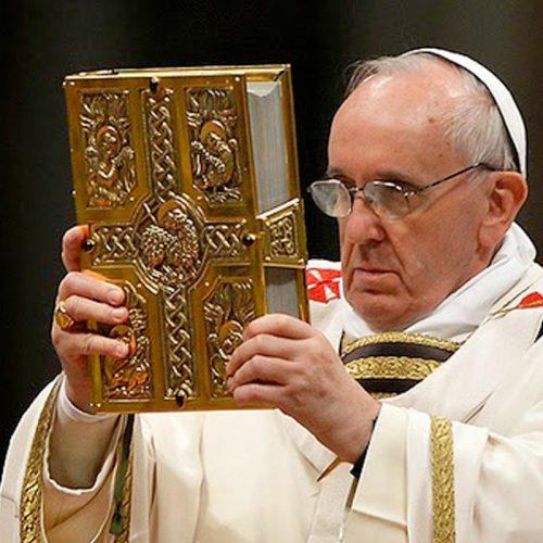 """""""Aperuit Illis"""": El Papa instituye el """"Domingo de la Palabra de Dios"""""""