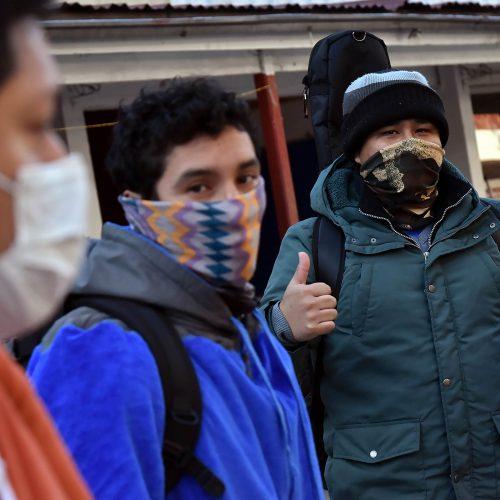 Segundo grupo de migrantes peruanos ya se encuentra en colegio del Arzobispado de Santiago